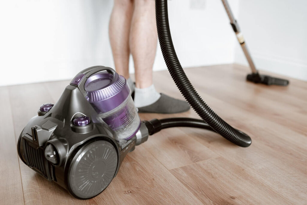 Best vacuum for pet hair and hardwood floors and carpet